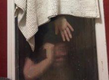 vrouw gooit poep uit raam tijdens eerste date